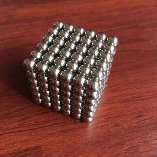 Bucky Balls, Neodots, Magnetic Balls, Desk Toy