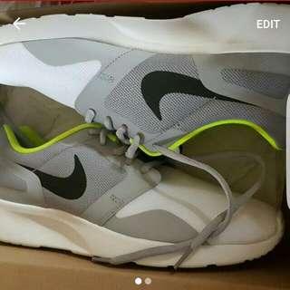 Nikes Size 8 Us
