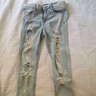 Zara Light Denim Skinny Jeans With Lots Of Fraying