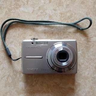 Olympus FE-230 Digital Compact Camera