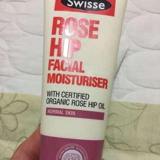 Rose hip moisturizer