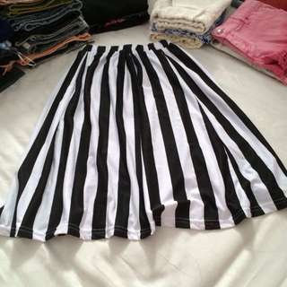 BKK stripes skirt
