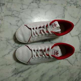 MisssTan UK 5 100%authentic used for a few times.getting rid of too many shoes ……