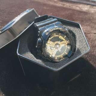G-shock 黑金 原價4.5千 保存良好