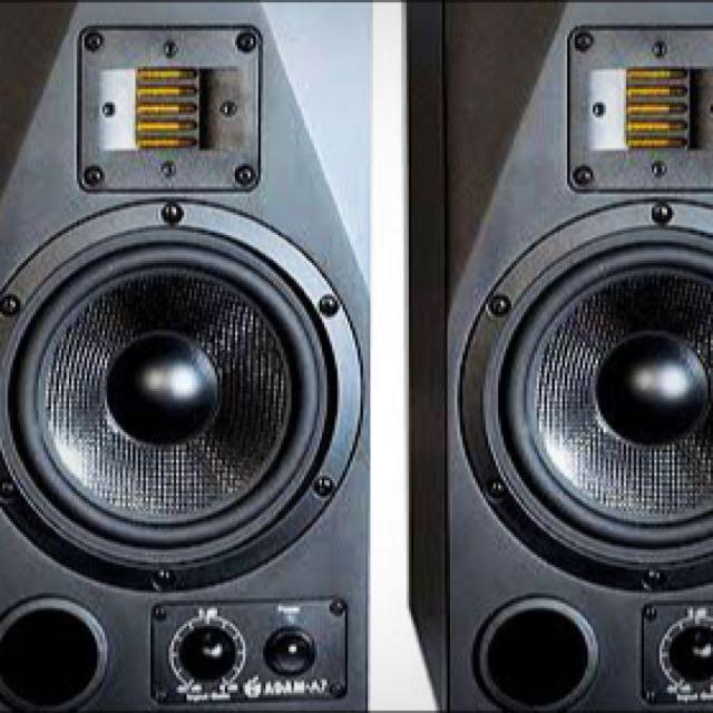 2x Adam7 Studio Monitors
