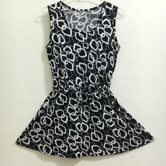 黑白幾何圖形洋裝