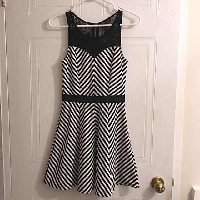 Black/white striped Lace Dress