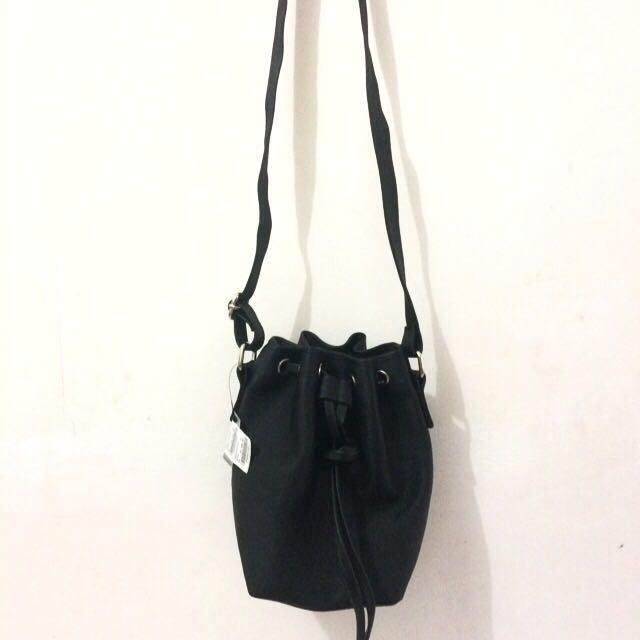 COLORBOX Sling Bag
