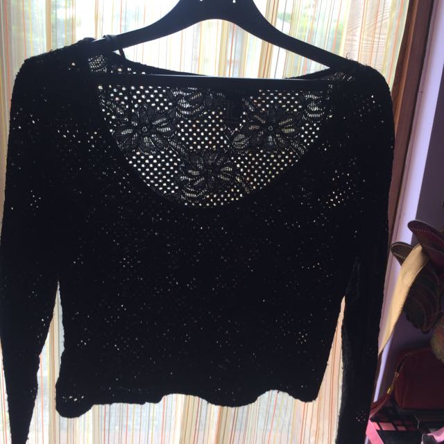 FOREVER 21 Crop Lace Top
