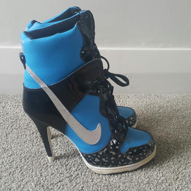 Nike Heels! Women's 9