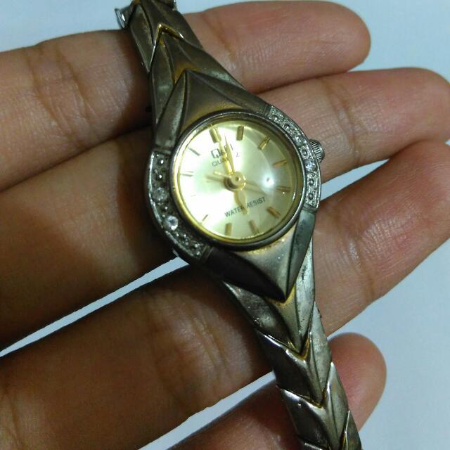 Q&Q Jewelry Watch