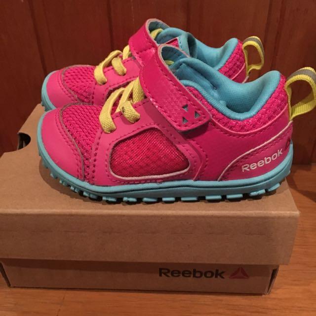 emergencia Infantil Punto de exclamación  Reebok Ventureflex Stride Toddler Shoes, Babies & Kids, Girls' Apparel on  Carousell