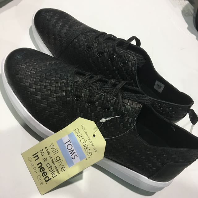 Toms Leather Weave Emboss