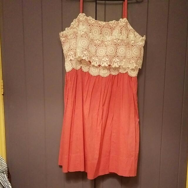 Vintage Style Pink Strappy Dress With Lace