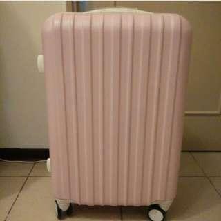 清新粉色24吋行李箱 降價了!!