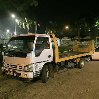 TOWING TRUCK SERVICES