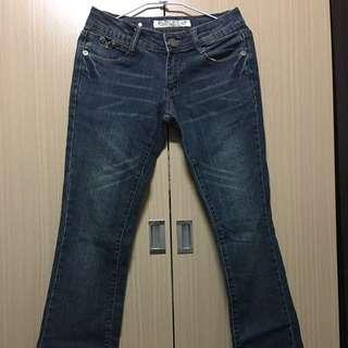超顯瘦牛仔喇叭褲