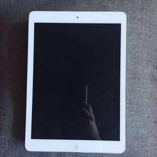 iPad Air 32GB (5th Gen) White