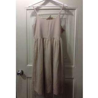lovfee 搭配用粉膚色及膝紗裙( 尺寸f/ 肩帶可調整/ 穿過兩次)