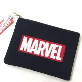 日本迪士尼復仇者聯盟marvel Disney iPad Clutch 電腦袋刺繡袋