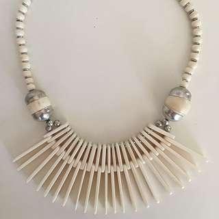 Bone-look Necklace