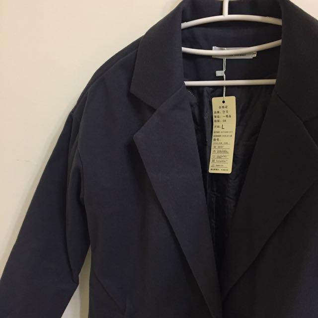 灰色加厚大衣外套