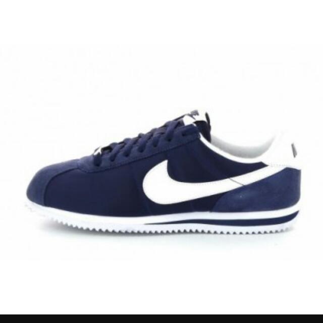 徵❗❗❗ nike 阿甘鞋 (或類似鞋款)👀👀👀 深藍佳✨✨✨ 尺寸 US 6 24cm 價錢儘量在2300👆👇 跪求佛價💦💦💦