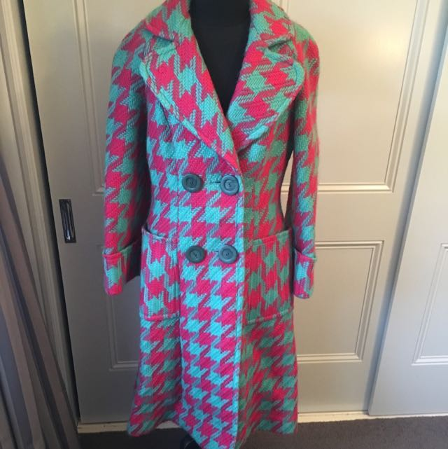 Amazing Vintage Coat. Size 10.