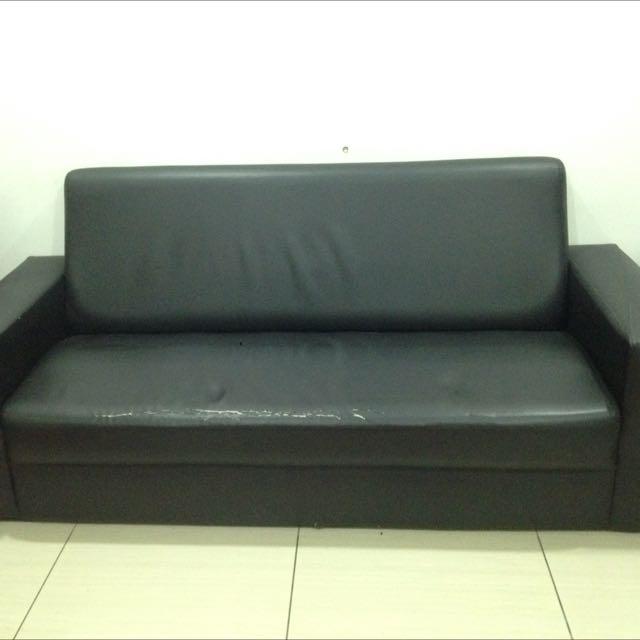 Black 3 Seaters Sofa