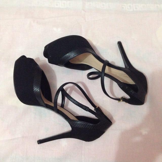 High Heels Black - Charles n Keith