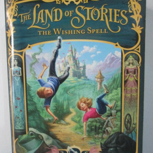 Land of Stories: the Wishing Well (Land of Stories #1) by Chris Colfer