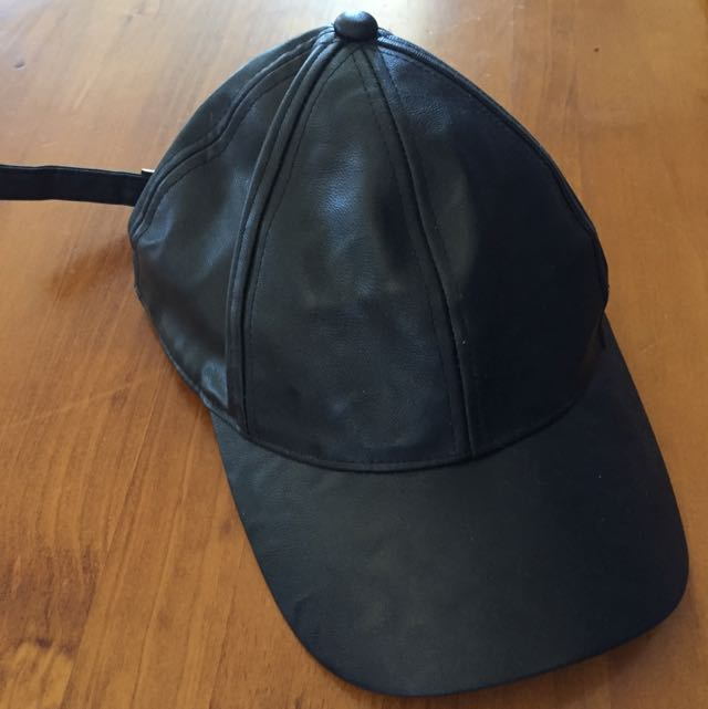 Lorna Jane Faux Leather Cap