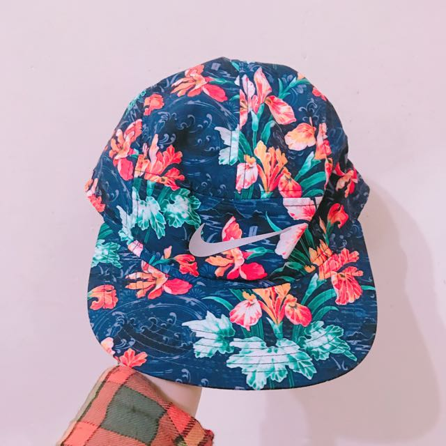 Nike 五分割帽