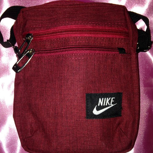 Nike Body Bag   Sling Bag, Men s Fashion, Bags   Wallets, Sling Bags on  Carousell acf3aab6e5