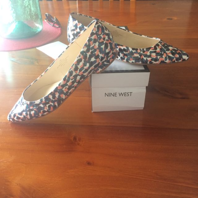 Nine West Flats - Size 10