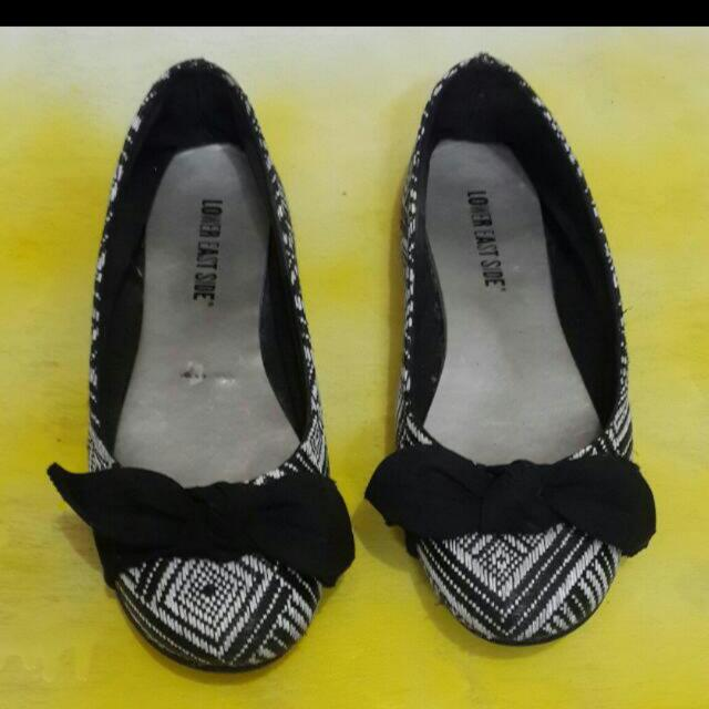 Playless Flat Shoes