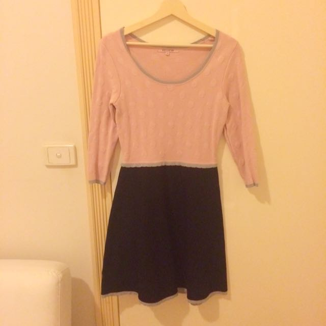 Review Pink Knit Dress