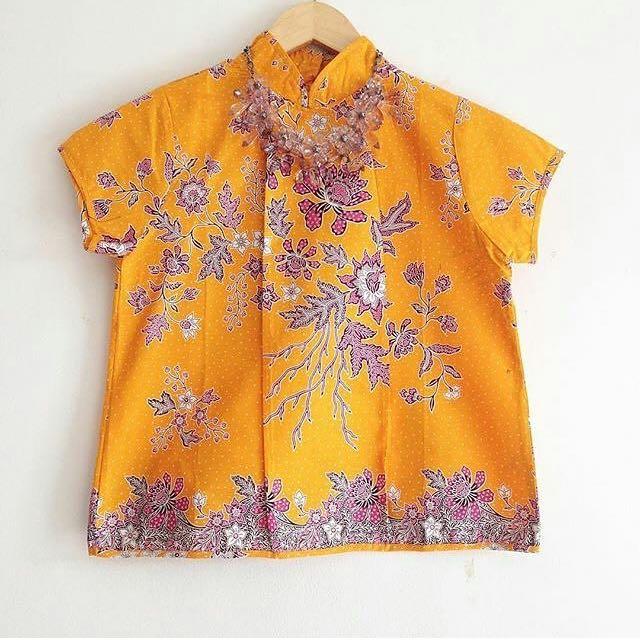 simple batik top