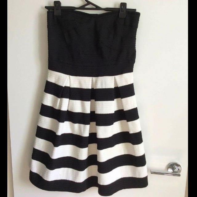 Size 12/14 Stretchy Black And White Striped Dress