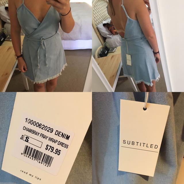 Subtitled Dress Size S