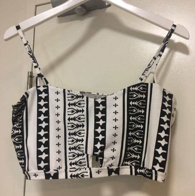 Sz 16 ASOS Black And White Aztec Print Crop With Cutout Detail At Front And In Straps