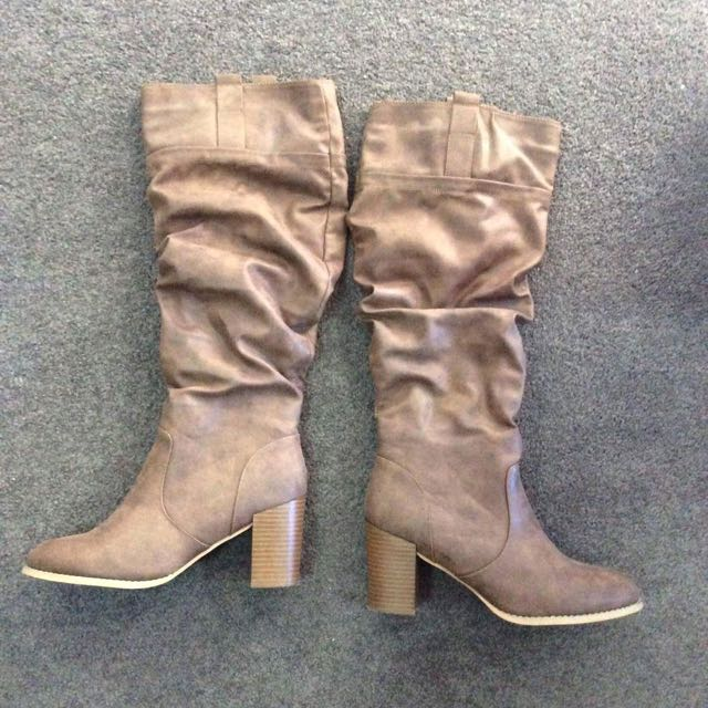 Size 9: Tall Brown Boots