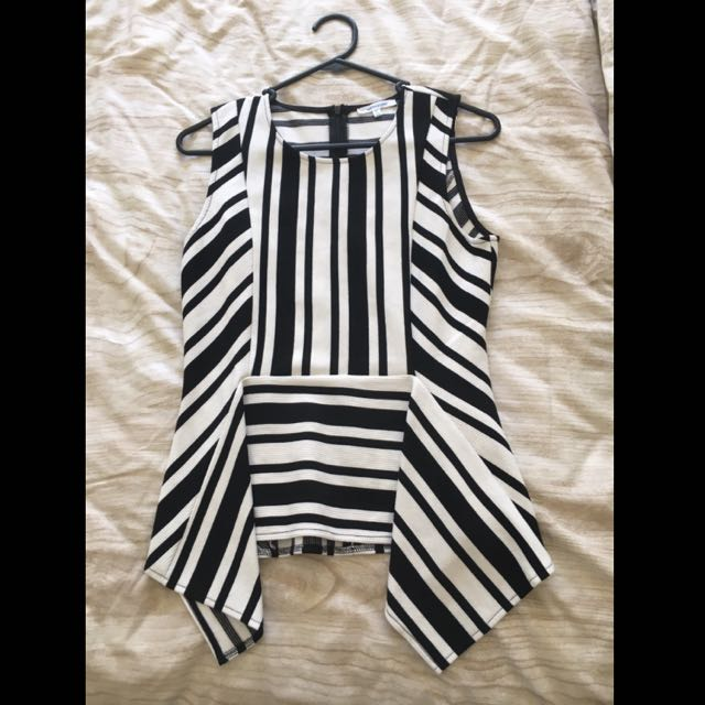 Valley Girl Top Size M