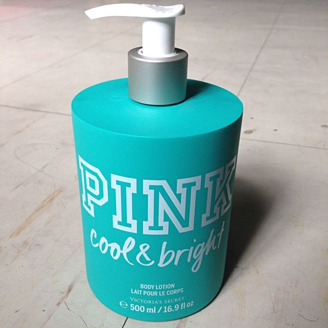 VS PINK cool & bright Lotion