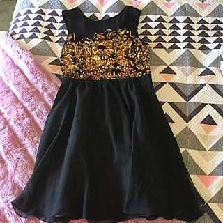 Size 10 Tokito Dress Black With Gold Sequins