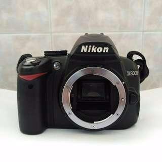 Nikon D3000 (Body + Kit lens 18-55mm)