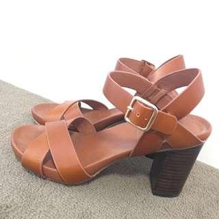 Size 39 Leather Block Heals- Marcs