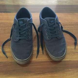NEW Men's Vans Casual Shoes size 11