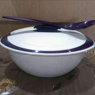 Tupperware Insulated Server With Serving Spoon