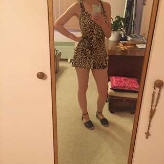 leopard sportsgirl playsuit size 8